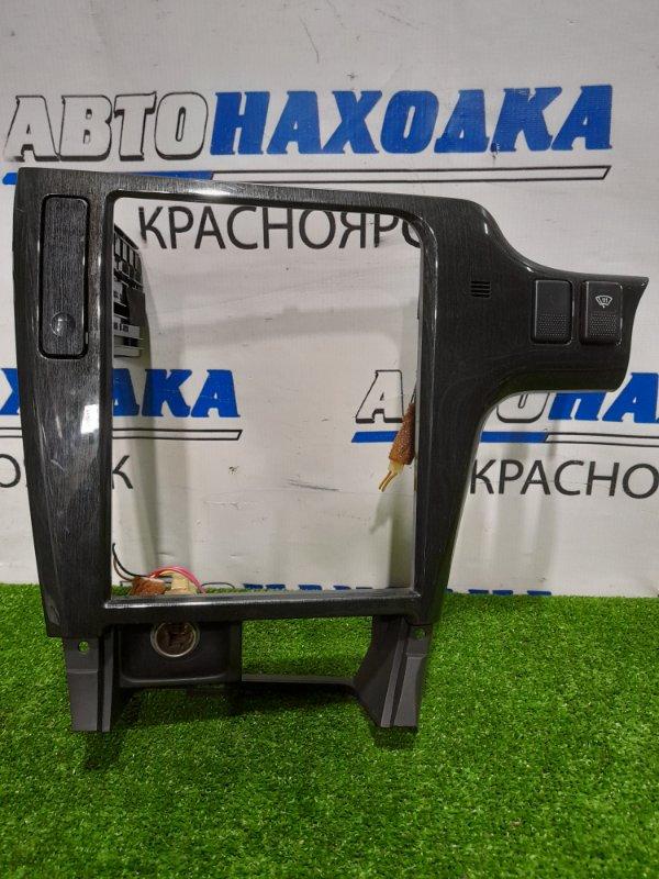 Консоль магнитофона Subaru Legacy BH5 EJ20 2001 центральная часть со складным подстаканником