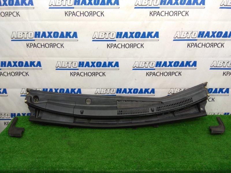 Ветровая панель Toyota Aqua NHP10 1NZ-FXE 2011 с уголками