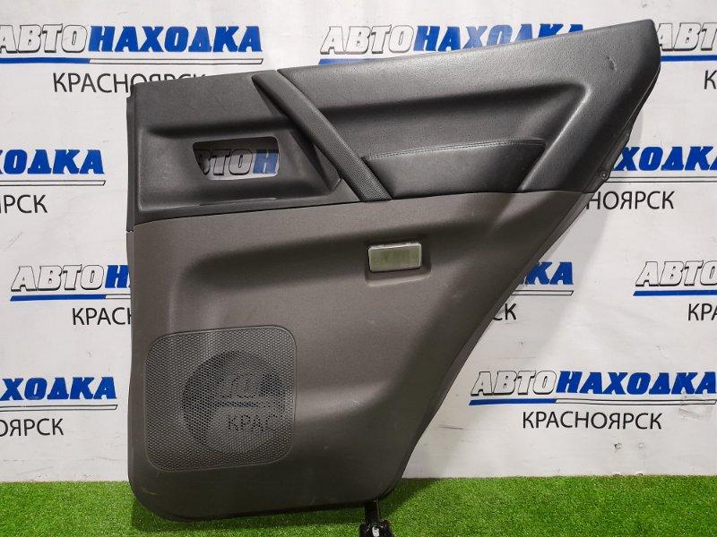 Обшивка двери Mitsubishi Pajero V75W 6G74 1999 задняя правая Задняя правая, с кнопкой управления