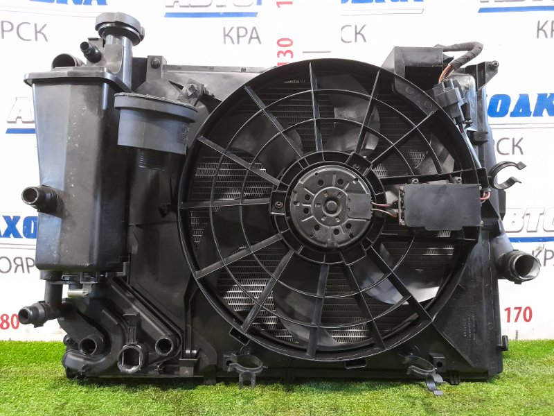 Радиатор двигателя Bmw 316Ti E46 N46B18 2001 с диффузором, вентилятором, расширительным