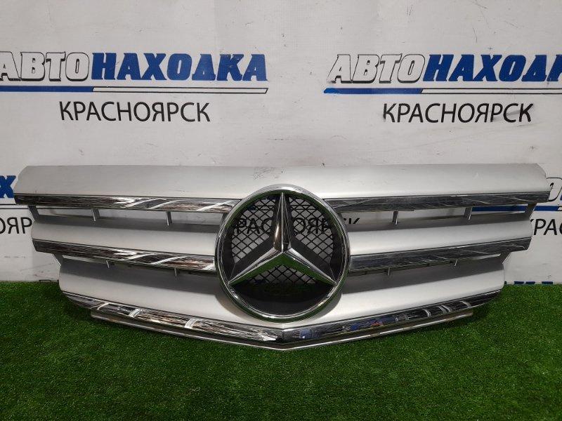 Решетка радиатора Mercedes-Benz B200 W245 266.960 2005 передняя A169888160 Есть потертости.