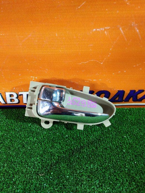 Ручка внутренняя Nissan Bluebird Sylphy KG11 MR20DE 02.2006 передняя левая