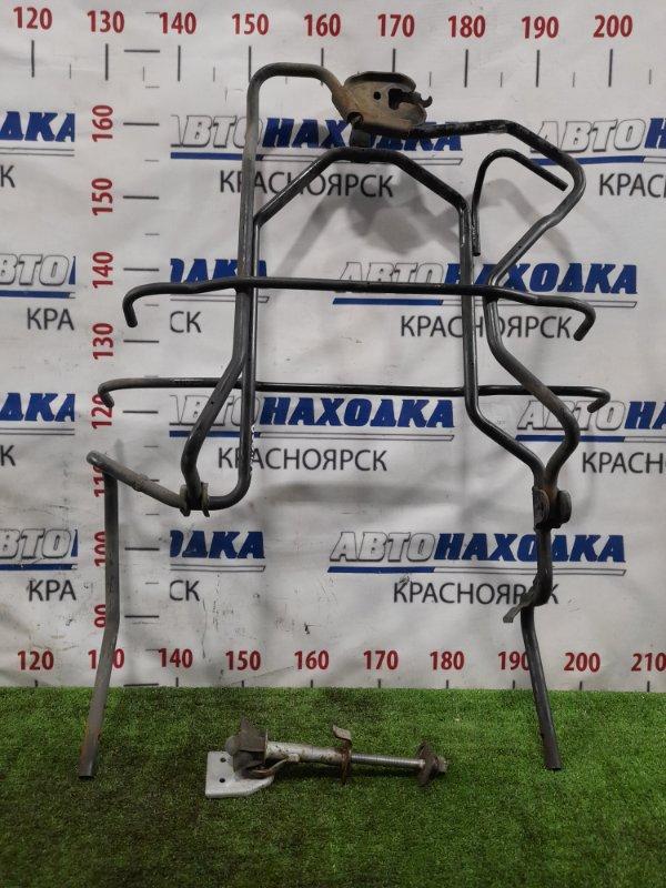 Кронштейн запасного колеса Nissan Vanette SKF2VN RF-T 1999 задний рамка с болтом