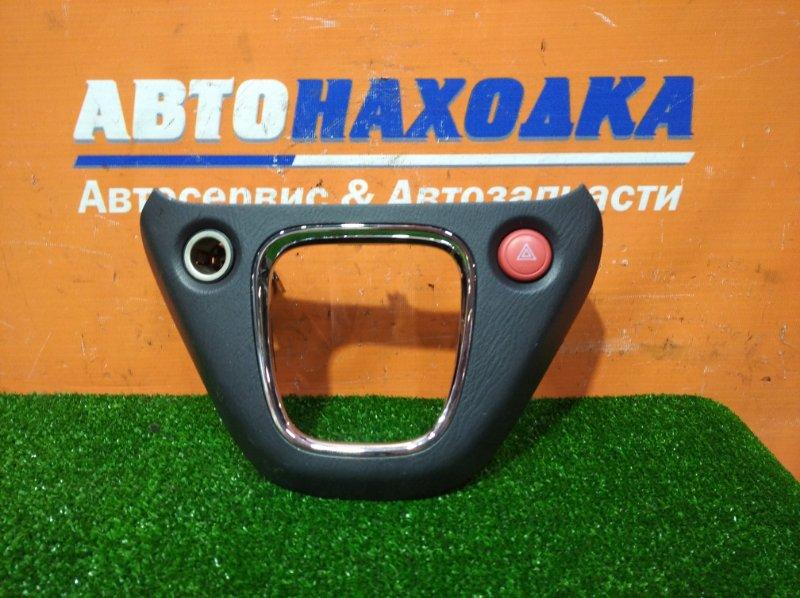 Консоль кпп Honda Stream RN1 D17A 2000 + кнопка аварийка +прикуриватель