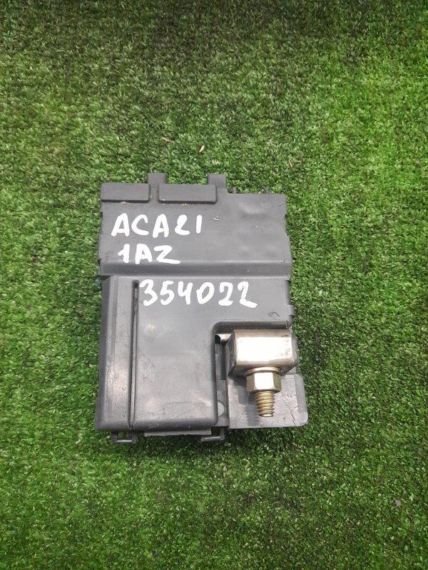 Клемма аккумулятора Toyota Rav4 ACA21W 1AZ-FSE 2000 плюсовая с силовыми предохранителями