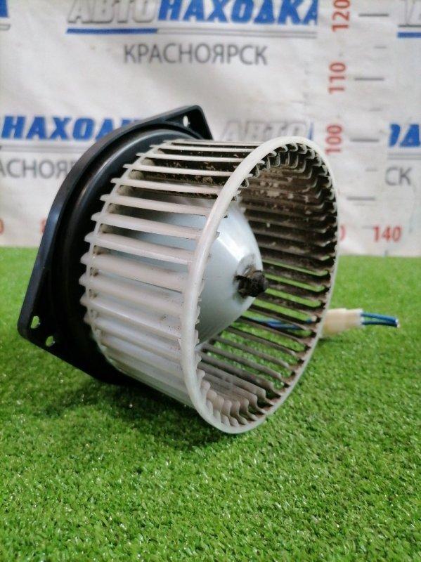 Мотор печки Nissan Vanette SKF2VN RF-T 1999 894000-0122 С фишкой, 2 контакта