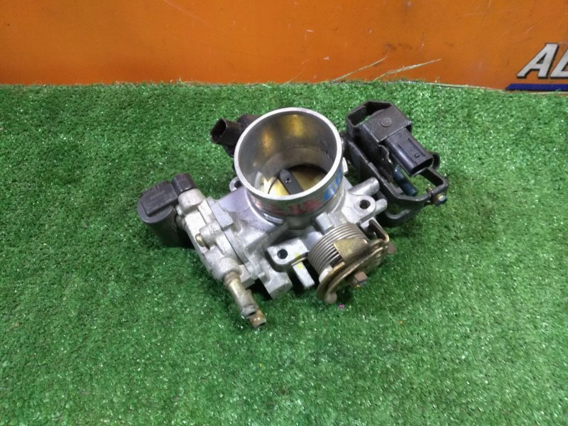 Заслонка дроссельная Honda Fit GD1 L13A В СБОРЕ.