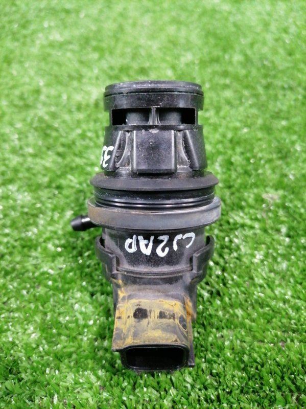 Мотор омывателя Mazda Atenza GJ2AP SH-VPTR 2015 На 1 выход, с фишкой на 2 контакта.