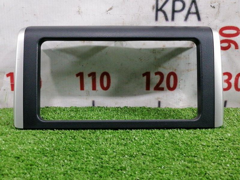 Консоль магнитофона Toyota Wish ZGE20G 2ZR-FAE 2009 облицовка магнитолы, с центральной