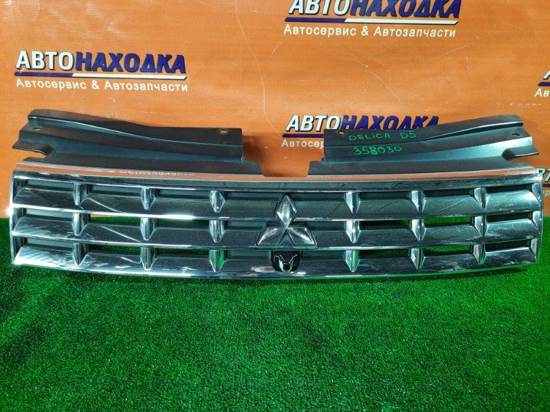Решетка радиатора Mitsubishi Delica D:5 CV5W 7450A418 ХРОМ ОК. + КАМЕРА