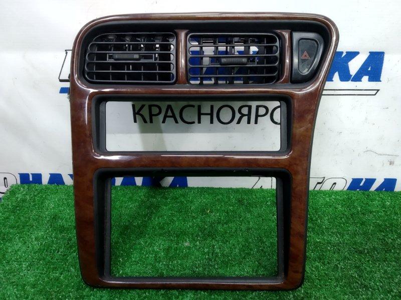 Консоль магнитофона Nissan Serena KBC23 SR20DE 1994 Облицовочная панель с центральной консоли,