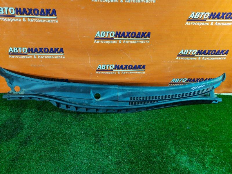 Решетка под лобовое стекло Toyota Allion ZZT240 1ZZ-FE 05.2002 55781-20340 / 55782-20140 ИЗ ДВУХ ЧАСТЕЙ