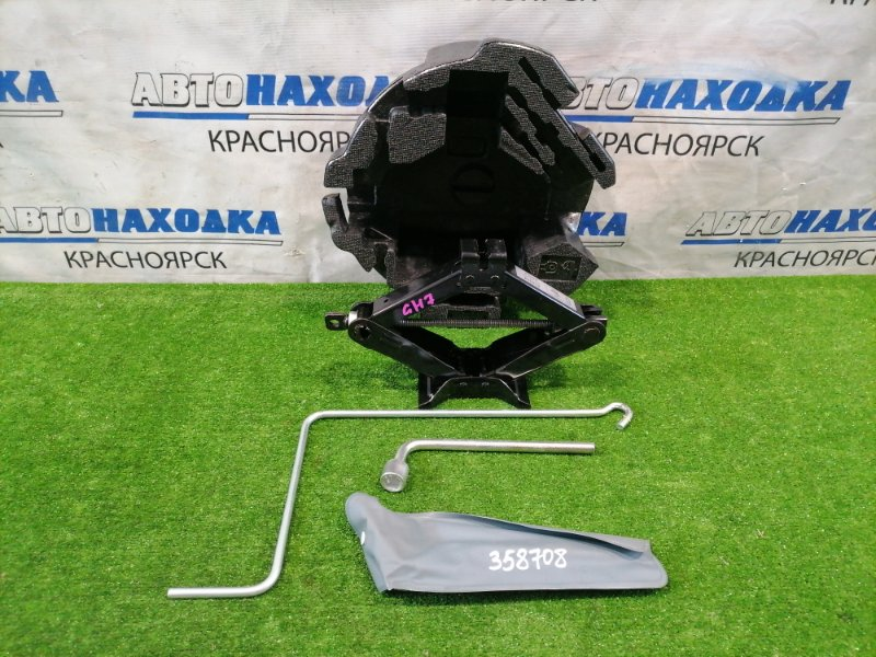 Домкрат Subaru Impreza GH7 EJ20 2007 штатный комплект: ящик под инструменты, домкрат (850 кг) +