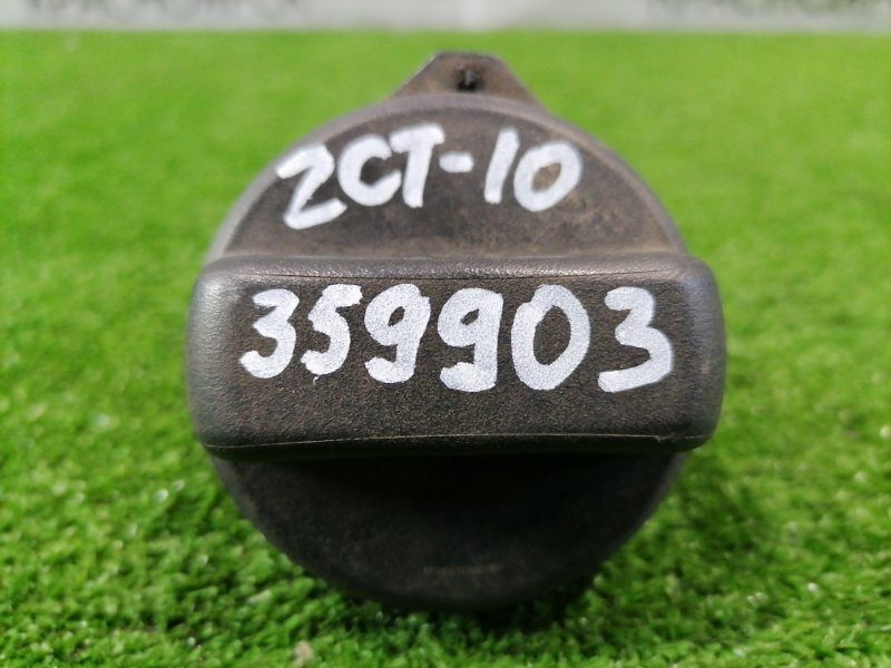 Крышка бензобака Toyota Opa ZCT10 1ZZ-FE 2000