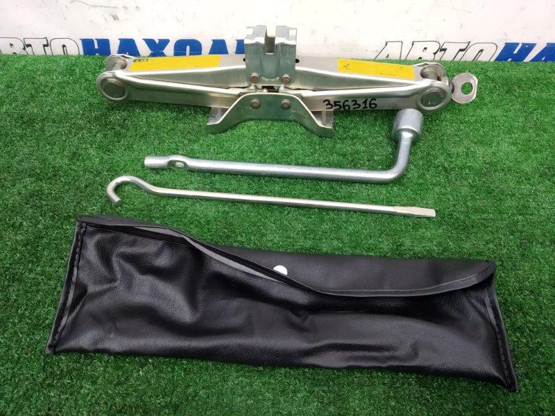 Домкрат Nissan Bluebird HNU14 SR20DE 1996 Грузоподъемность 800 кг + ручка, чехол, балонник (21)