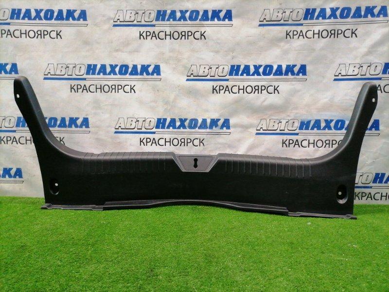 Обшивка багажника Mazda Atenza GJ2AP SH-VPTR 2015 задняя пластиковая обшивка задней стенки, где