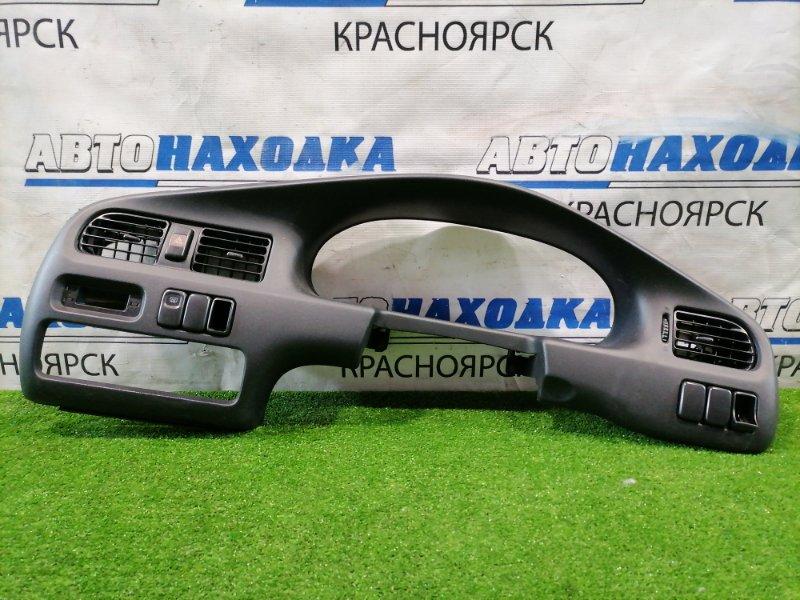 Козырек панели приборов Mazda Familia BHALP Z5-DE 1994 с часами и кнопкой аварийки,