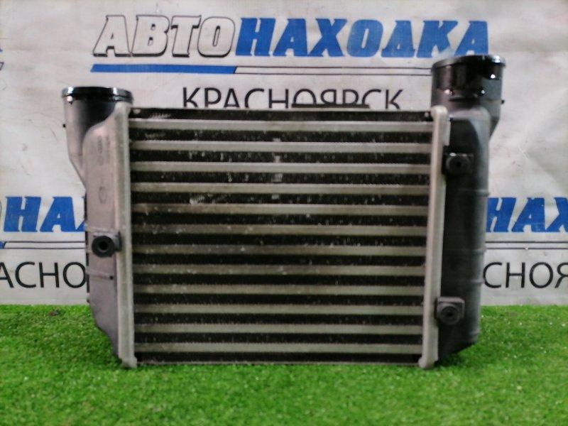 Радиатор интеркулера Audi A4 B7 BFB 2004 передний левый 8E0145805 Левый