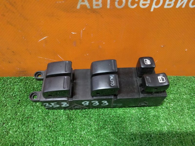 Блок управления стеклоподъемниками Nissan Laurel HC35 RB20DE 05.2001 передний правый