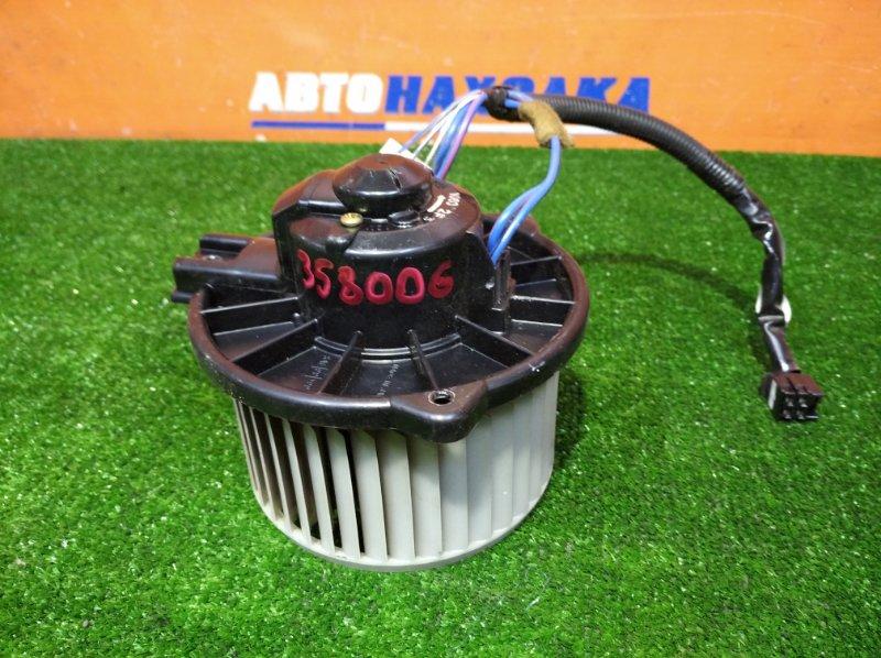 Мотор печки Toyota Ist NCP60 2NZ-FE 2002