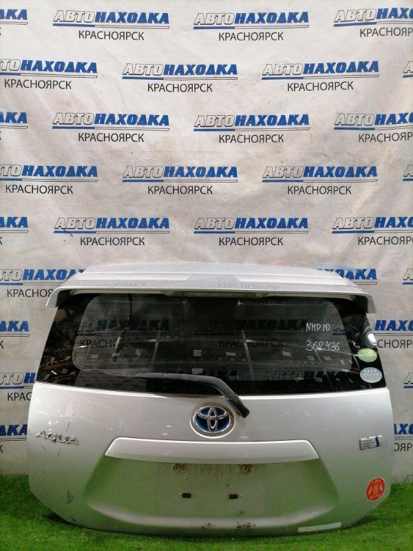 Дверь задняя Toyota Aqua NHP10 1NZ-FXE 2011 задняя в сборе, со спойлером, цвет 1F7. Есть потертости
