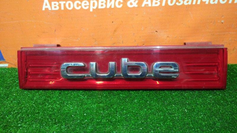 Вставка между стопов Nissan Cube Z12 HR12DE 2008 8244