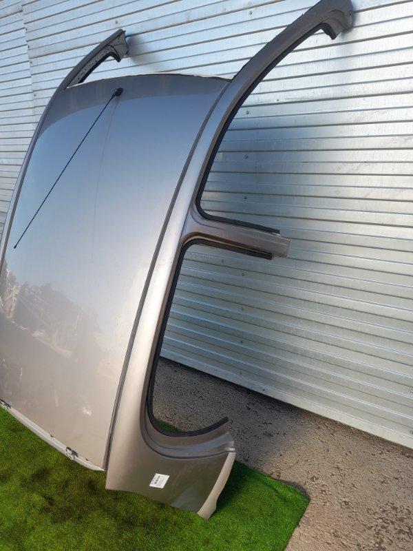 Крыша Toyota Vitz SCP10 1SZ-FE 1999 Со стойками по низ стекол, с молдингами, антенной и обшивкой.