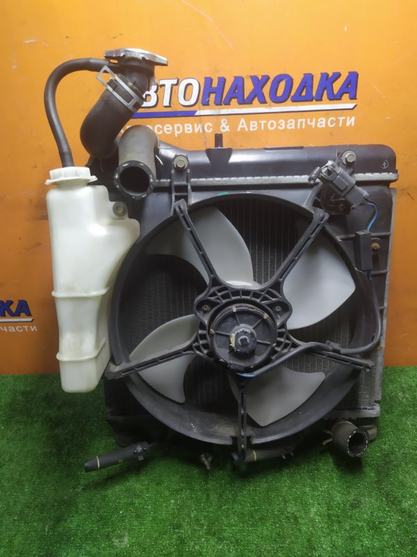 Радиатор двигателя Honda Fit GD1 L13A 2003 1MOD. МАЛЕНЬКИЙ.В СБОРЕ С ДИФФУЗОРОМ