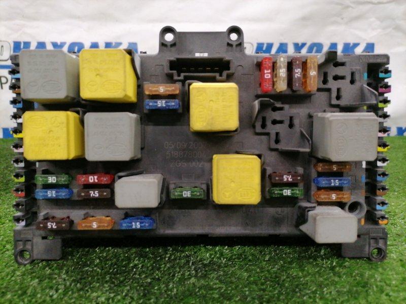 Блок предохранителей Mercedes-Benz Vito W639 M272 E35 2003 6395450301 В сборе.