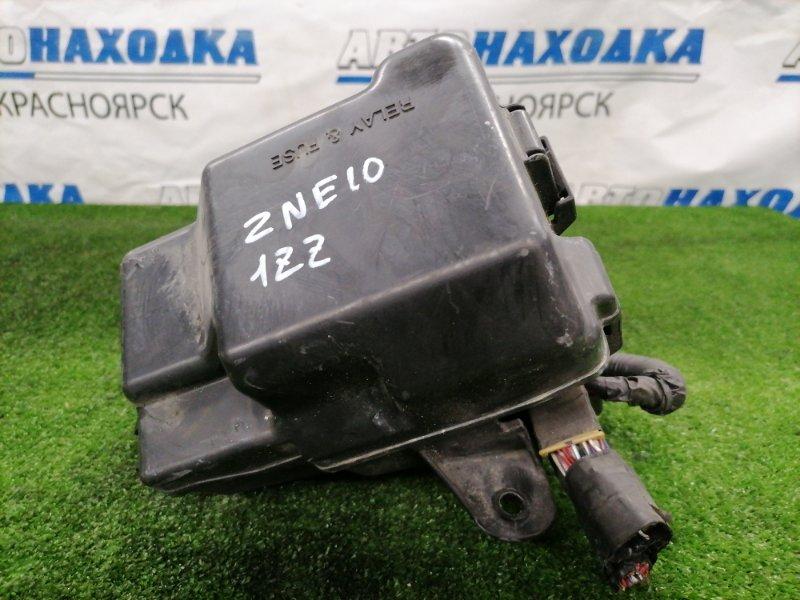 Блок предохранителей Toyota Wish ZNE10G 1ZZ-FE 2005 Подкапотный, в сборе
