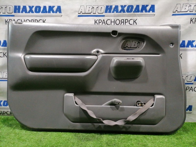 Обшивка двери Suzuki Jimny JB23W K6A 1998 передняя левая Передняя левая, есть потертости
