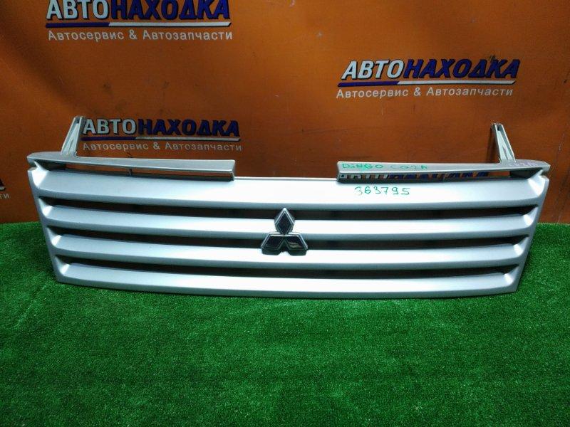Решетка радиатора Mitsubishi Mirage Dingo CQ2A 4G15 01.03.2000 MR416204