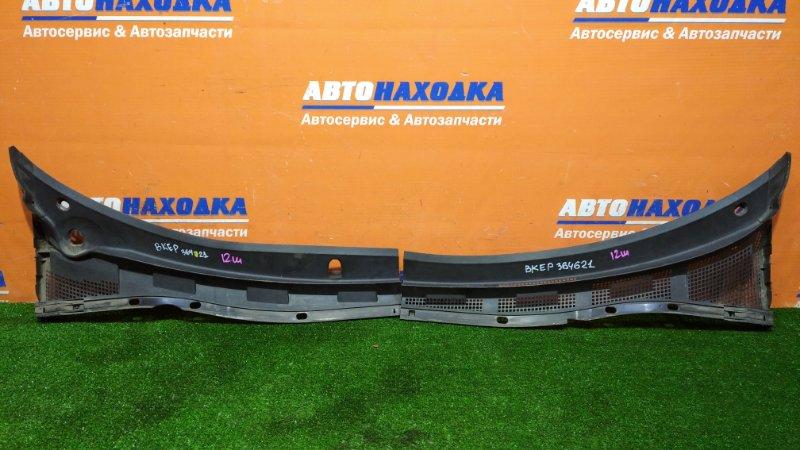 Решетка под лобовое стекло Mazda Axela BKEP LF-VE 2006 передняя 2 части