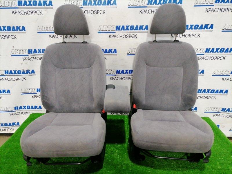 Сиденья Honda Civic EU3 D17A 2000 передняя Передние пара, с механическими регулировками. Цвет