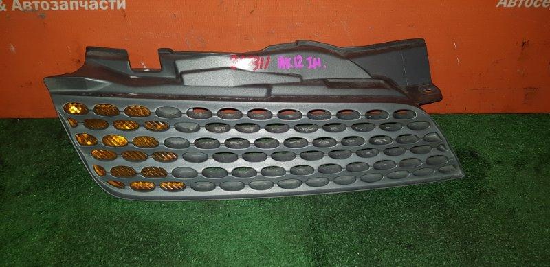 Решетка радиатора Nissan March AK12 CR12DE 2002 передняя правая 1 мод