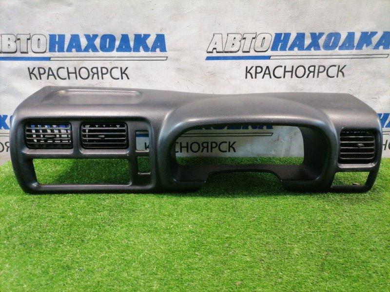 Козырек панели приборов Suzuki Jimny JB23W K6A 1998 С дефлекторами обдува. Есть потертости