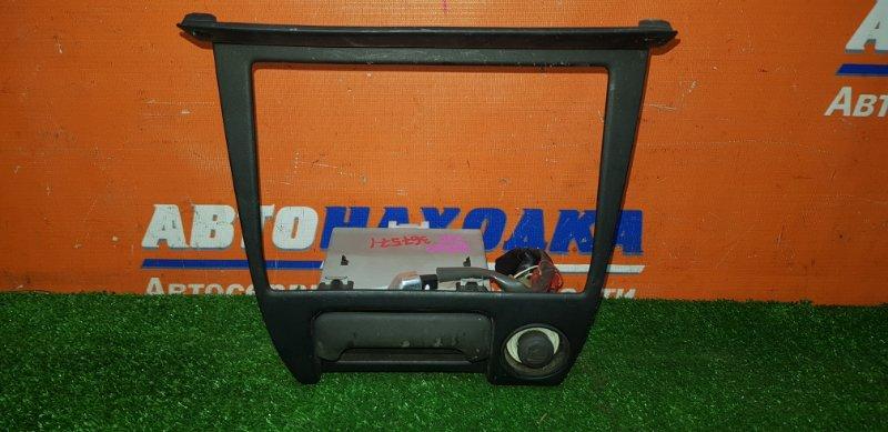 Консоль магнитофона Toyota Sprinter AE100 5A-FE 1991 +прикуриватель+кармашек