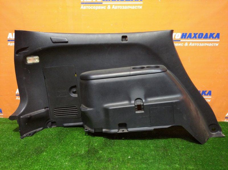 Обшивка багажника Honda Stream RN1 D17A 2000 левая фонарик/