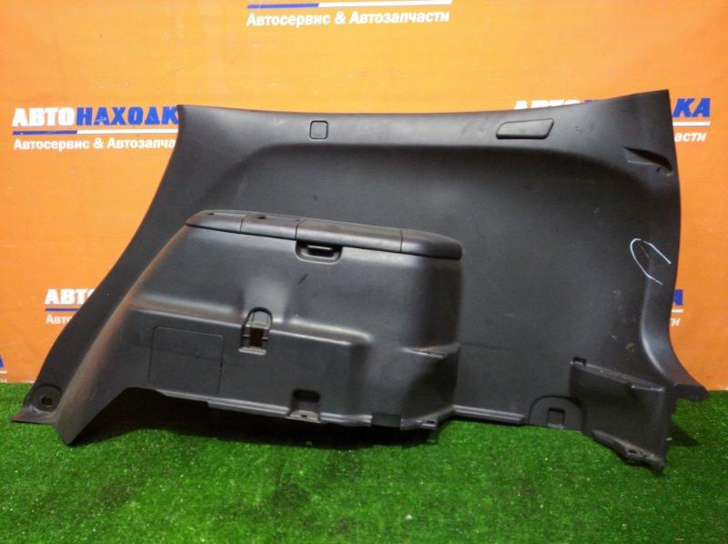Обшивка багажника Honda Stream RN1 D17A 2000 правая есть дефект/ бардачок