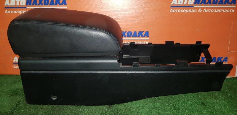 Бардачок между сиденьями Nissan Skyline V35 VQ25DD 2001