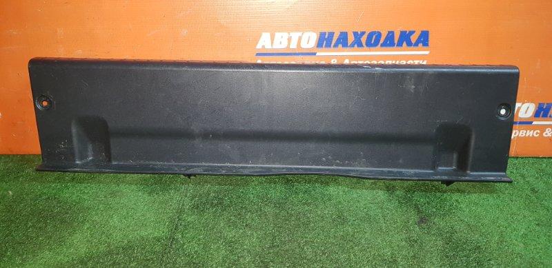 Накладка багажника Toyota Allion ZZT240 1ZZ-FE 2001 задняя