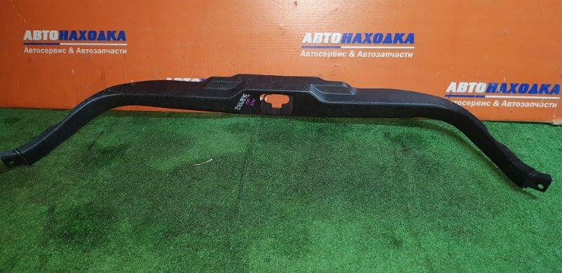 Накладка багажника Nissan Pulsar FN15 GA15DE 1995 задняя универсал/под 5-ю дверь