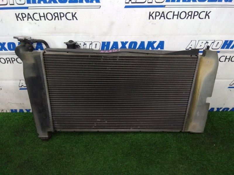 Радиатор двигателя Toyota Corolla Fielder NZE121G 1NZ-FE 2000 в сборе с вентилятором и диффузором,