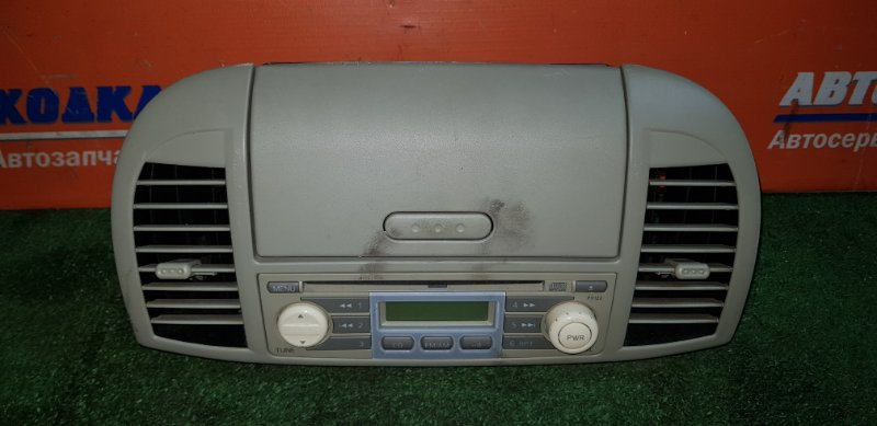 Пластик салона Nissan March AK12 CR12DE 2002 центральный+воздуховоды+магнитола+кармашек