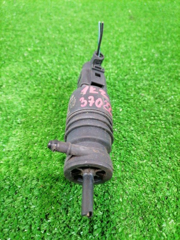 Мотор омывателя Volkswagen Jetta 1K2 BVY 2005 1T0955651 На 1 выход, с фишкой