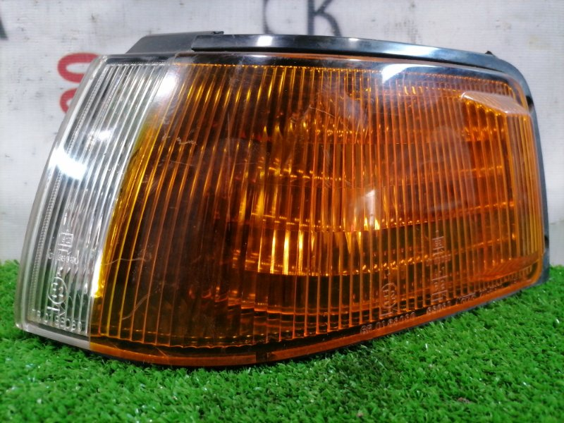 Фонарь габаритный Mazda Familia BG5P B5 1991 передний левый 210-61301 Передний левый 210-61301, 2 модель