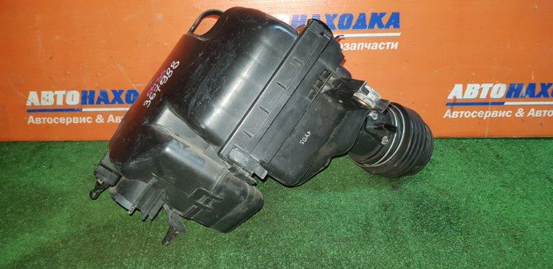 Корпус воздушного фильтра Nissan Stagea PM35 VQ35DE 2001
