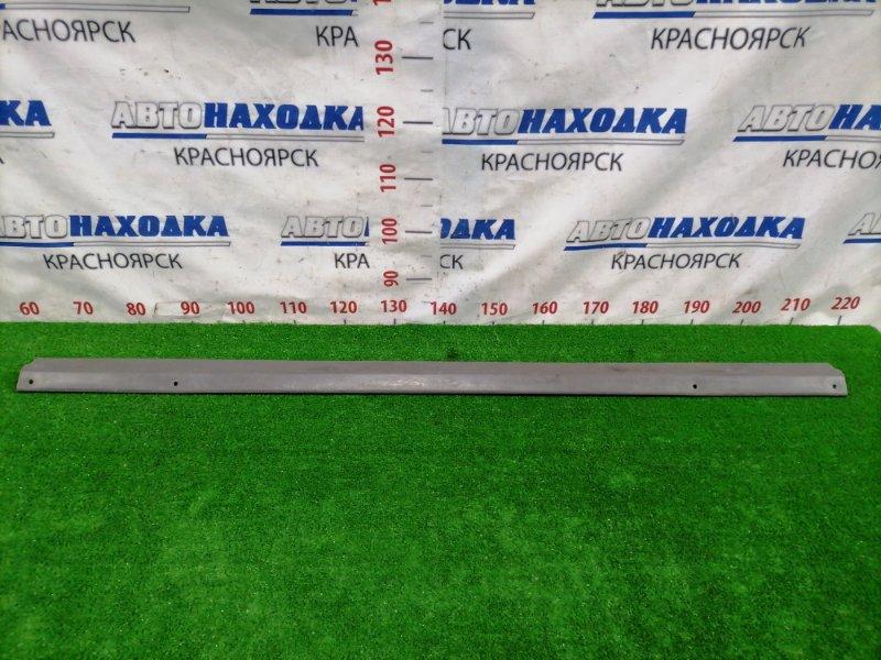 Накладка пластиковая в салон Toyota Dyna BU306 4B 1999 задняя 58614-37010 На порог между передним и