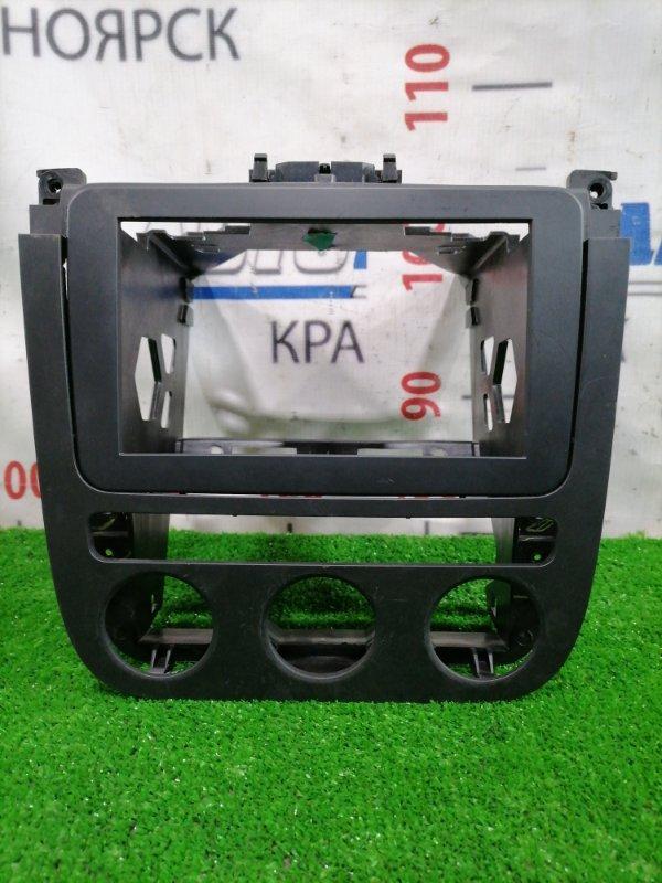 Консоль магнитофона Volkswagen Jetta 1K2 BVY 2005 Облицовочная панель с центральной консоли
