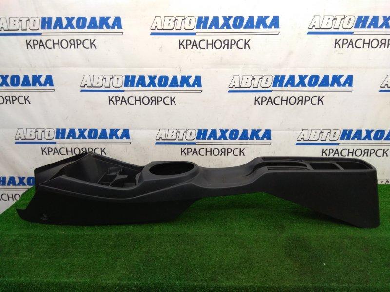 Консоль между сидений Honda Fit GE6 L13A 2007 черная